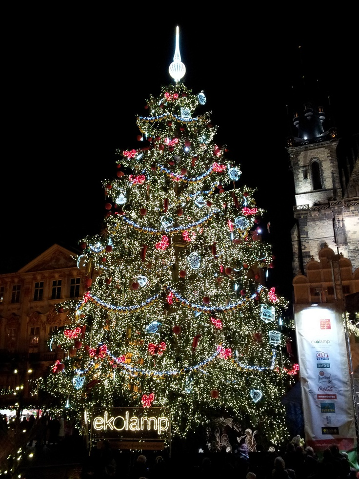 Christmas Tree on the Old Town Square, this year soooo beautiful. :)