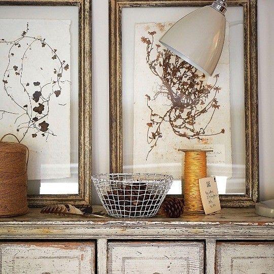 Интерьер в стиле рустик | Старая рамка, стекло и в середине что-то Можно стекло просто расписать
