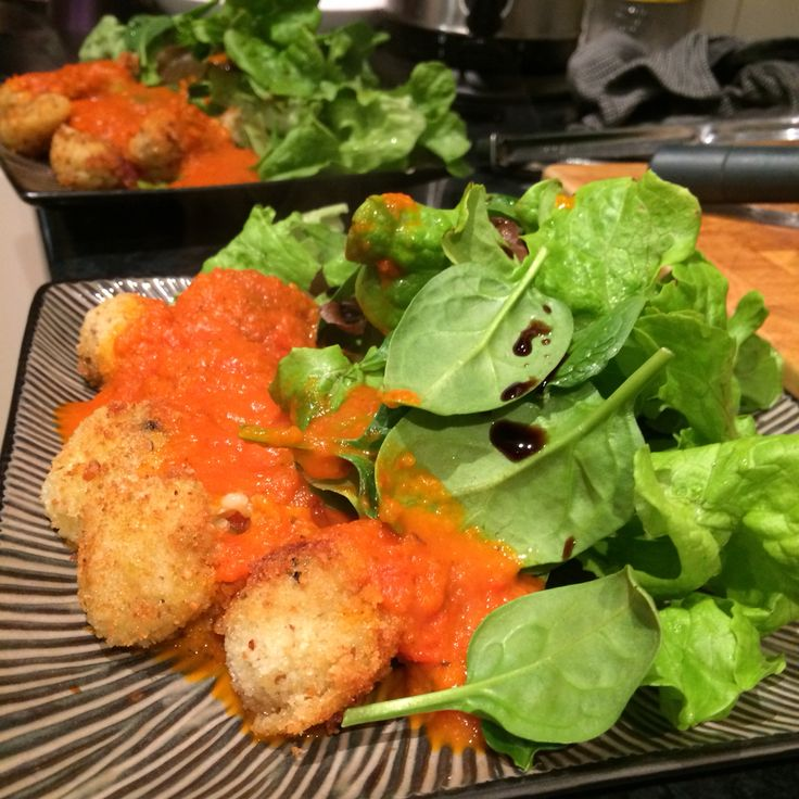 Making the most of what you've got! Home grown lettuce, left over risotto turned into arancini balls (GF) and substituted canned tomatoes with tomato paste and a red capsicum that I was going to chuck tomorrow ! Was my fave dinner this week :)