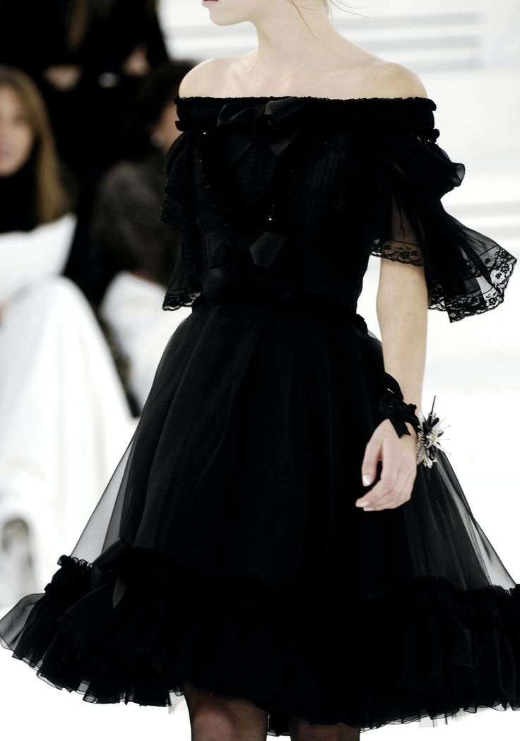 chanel haute couture  This would not look good on me, but i love it!