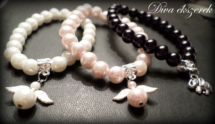 Gumis damilra fűzött karkötők.  Bracelets. https://www.facebook.com/divaekszerek