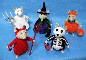 """Halloween Hamsters knit pattern by Alan Dart, 6"""" (15 cm) using Hayfield Bonus DK"""