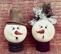 Painted Light Bulbs.   Cute Christmas Snowmen