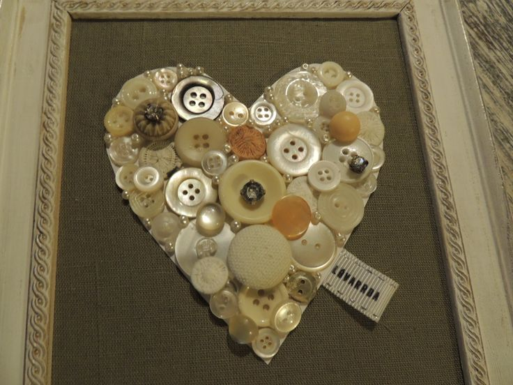 Button heart by LóVarrda