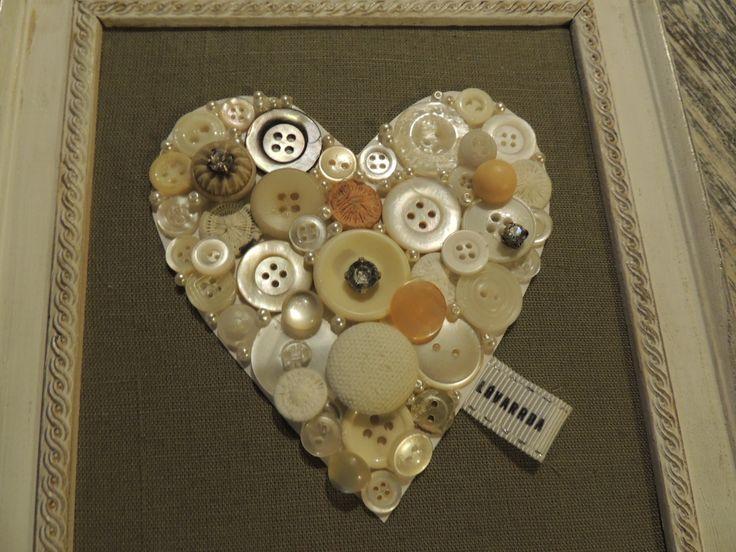 Button heart by LóVarrda