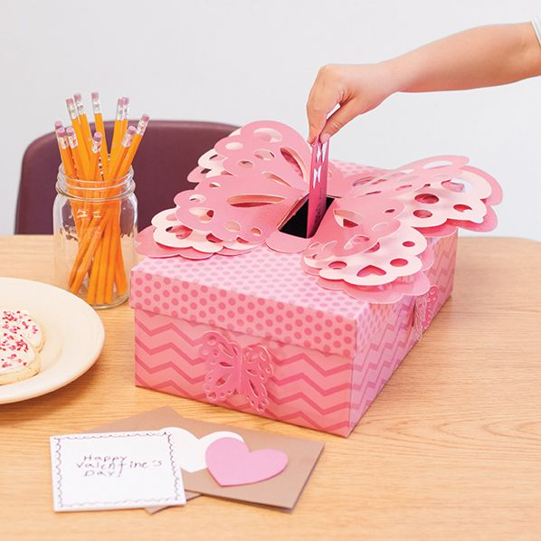 Ideas For Decorating Valentine Box: 24 Best Images About Valentine's Decorations On Pinterest