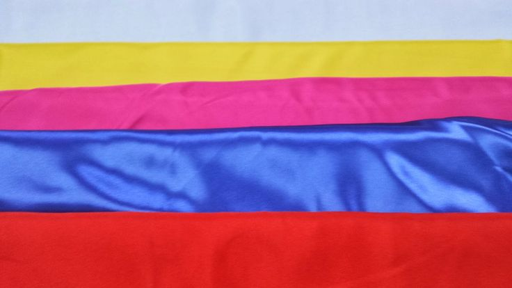 #tessuto in #raso tinta unita. Ideale per confezionare abiti di #carnevale