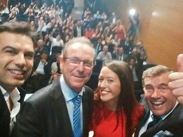 Entregando los diplomas de los alumnos de Cemors 9 como Director Académico. Cámara Comercio de Málaga