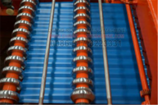 #Galvanized #Steel #Roof #Panel #Roll #Forming #Machine can stable and long time working to satisfied high quantity production.Machine working speed is 10-15m/min.You can setting length and pieces in PLC,then the roll forming machine can automatic working. It is only need one or two workers.Every roll forming machine everyday working about 8 hours.Workers should be everyday clean the machine and add oil.