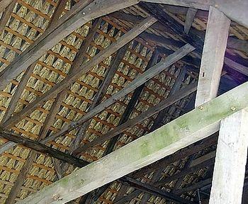 Fachbereich im #Handwerk. Der Zimmereibetrieb ist ein Fachbetrieb, der hauptsächlich für statische #Konstruktionen im Bereich Holz und Balken zuständig ist. Die speziellen Kenntnisse werden schon in der #Ausbildung vermittelt. Es werden Zäune, Dachüberstände, Wintergärten, Wärmedämmung, Außenverkleidungen und viele andere Zimmererarbeiten angeboten.