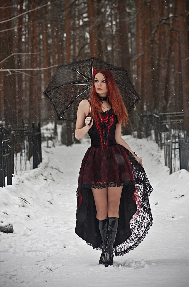 Фотосессия зимняя в готическом стиле
