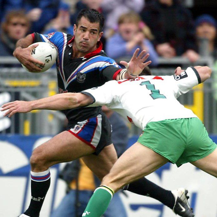 """Vodafone Warriors on Instagram: """"Stacey Jones fends the fullback during the 2002 36-20 home final victory over the Raiders at Mount Smart. Head to our website or mobile app to watch an interview with Stacey in the build up to our #OldBoysDay celebration on Saturday."""""""