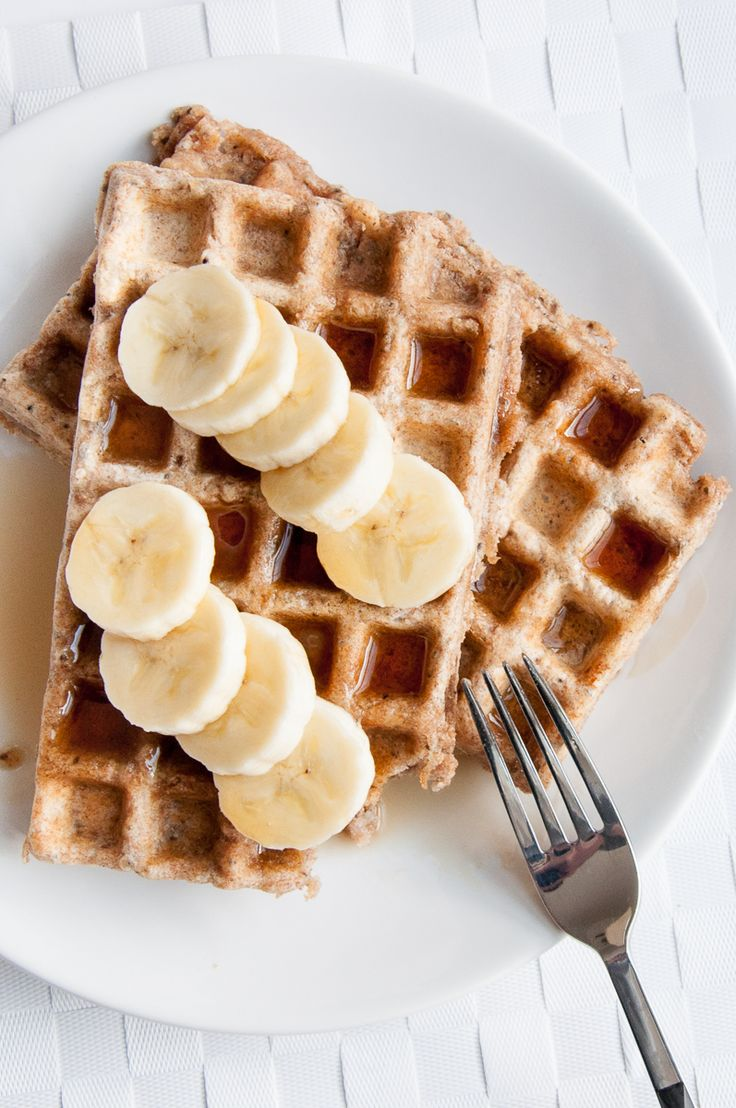 Healthy Whole Wheat Waffles Recipe with Chia Seeds and Coconut oil | VeganFamilyRecipes.com | #vegan #chia seeds #breakfast