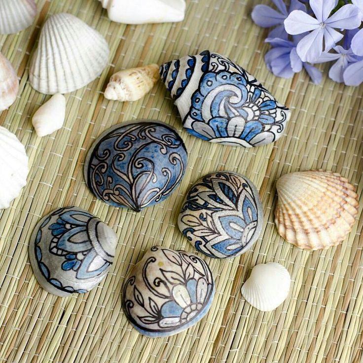 Seashells art. Coloring seashells