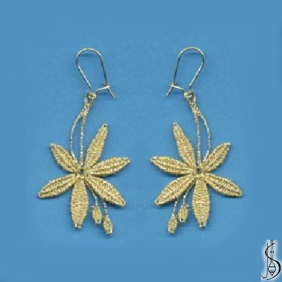Earring No. 10921     Gold. Price: € 15 Other color variations are in the catalog.  ............................  Protected by copyright!
