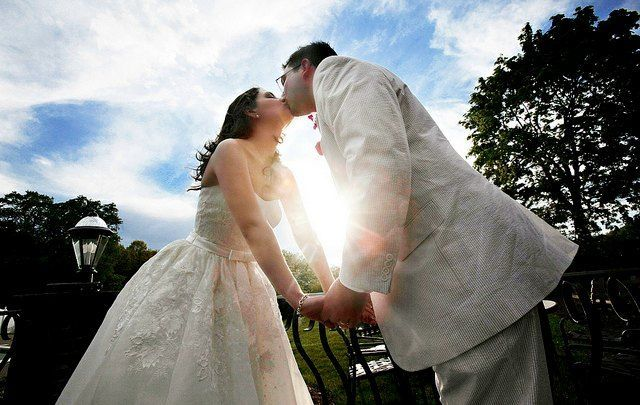 20 Ideas for a Frugal (Not Cheap) Wedding on a Budget (The Simple Dollar)