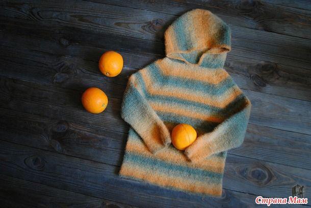 Вязаный и подваляный детский свитерок из Дундаги