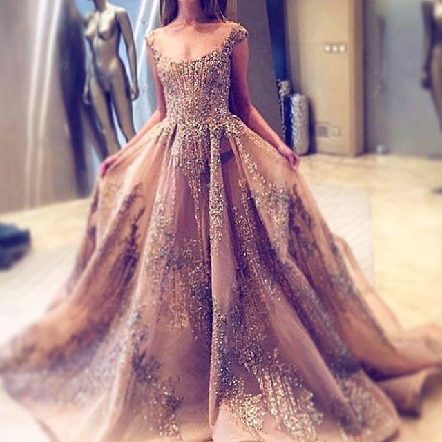 Not everyday Indian style posts. X #indian #wedding #bride #bridal #asiana #mua #makeup #hair #weddinginspo #inspo #inspiration #ootd #weddingday #indianwedding #indianfashion #fashion #instafashion #wedding #bridal #red #lengha #asian #asiana #asianwedding #jewellery #gold #bride #bridal #myweddingscrapbook #dress #coutoure
