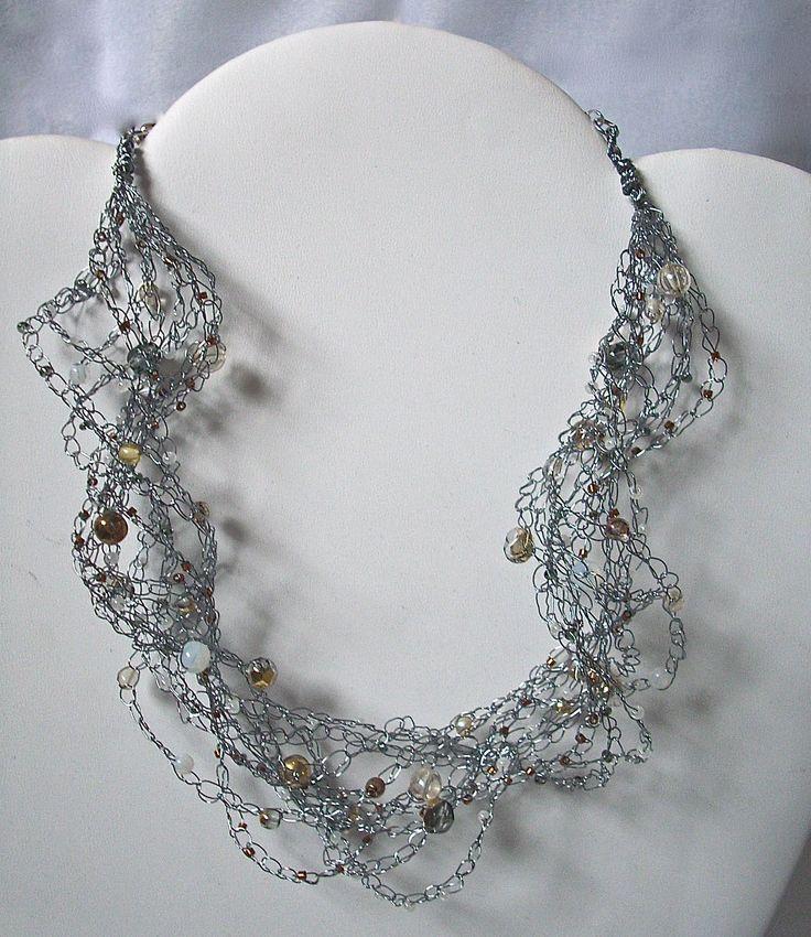 BOEMIA TOPAZ - Necklace in filo metallico color rodiato con mezzi cristalli, tondi in vetro di Boemia color Topazio, perline di conteria. Chiusura a catenella regolabile nickel free.