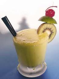 Centrifugato di pere e kiwi | A tavola con gioia Visitate il sito http://frullatiamo.it/ per scoprire molto di più.. :)