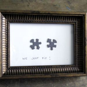 Make a puzzle frame #Valentines DIY...cute on the front of a card, too!