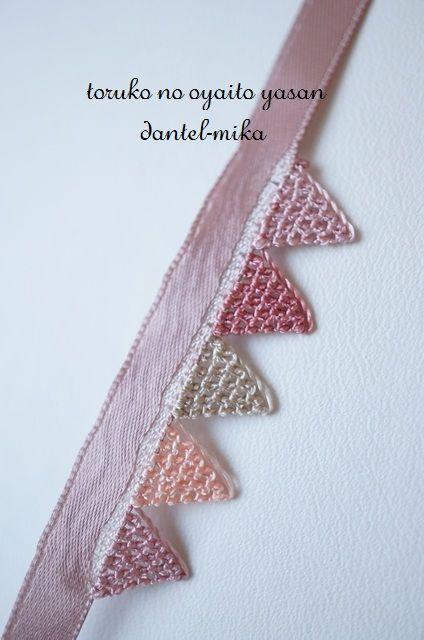 3基本の三角で作る簡単ラリエット(ピンク)