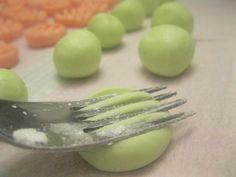 Homemade Mints Recipe...super easy gift idea!