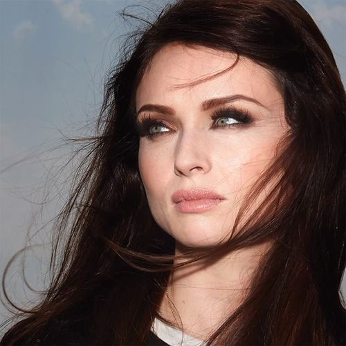 Sophie Ellis-Bextor looks amazing in 'young blood'