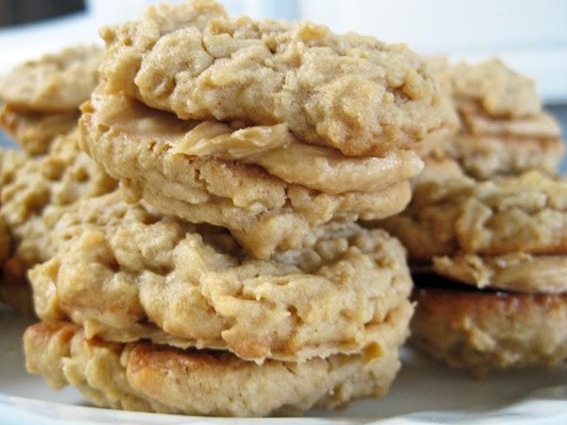 Peanut Butter Oatmeal Sandwich Cookies | yum in my tum | Pinterest