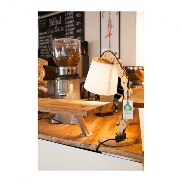 Edvaldine - Tre kjede formet Bordlampe av Ask fra Straale® | Lamper & Lysekrone på nett - Lunelamper | Nettbutikk #trelampe #lampe #lamper #bordlampe #lunelamper