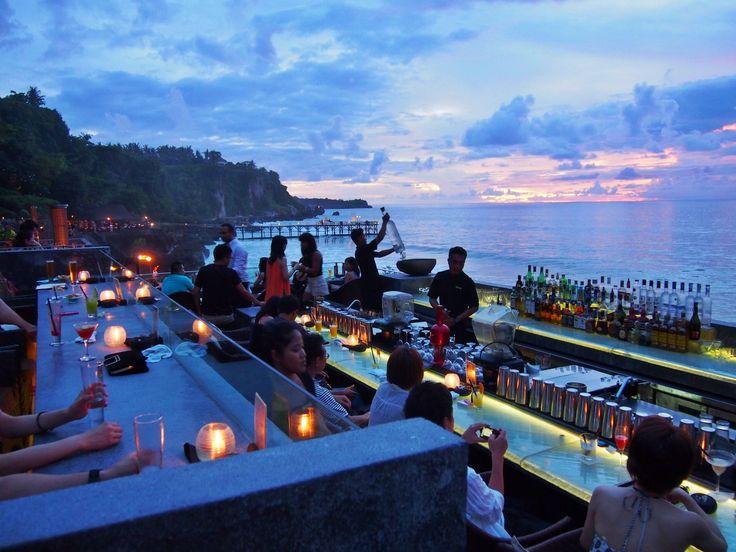 """""""癒やしの国""""バリ島で綺麗なサンセットがみられるルーフトップバーベスト10"""