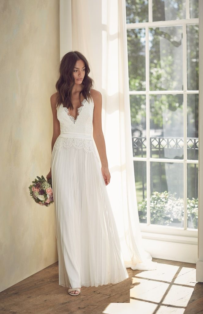 Look timeless in our Début bridal dresses