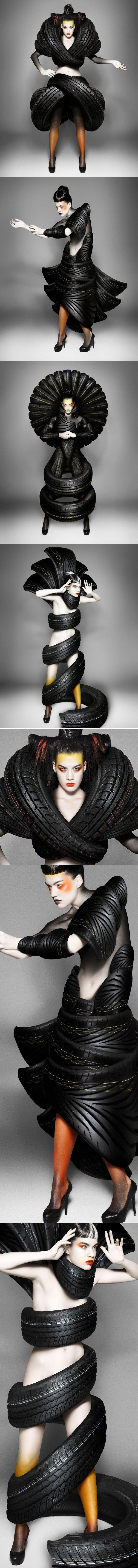 TREADWEAR COSTUME DESIGN & POSTPRODUCTION Carl Elkins @ Mierswa-Kluska PHOTOGRAPHY Mierswa-Kluska HAIR & MAKE-UP Susan Voss-Redfern María José Castañer