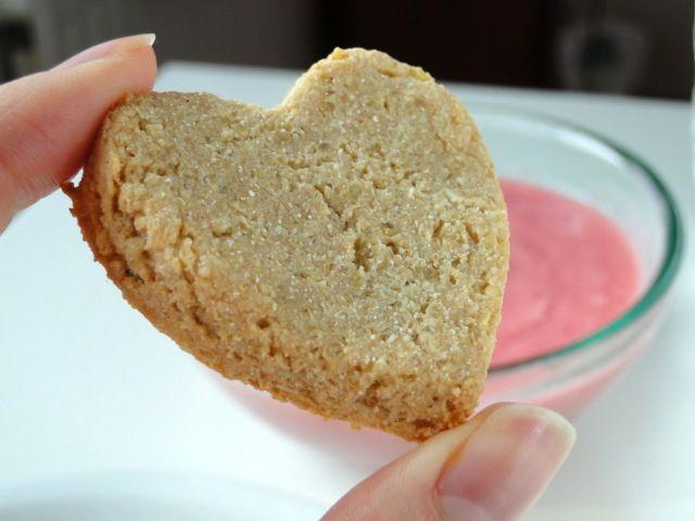 Biscuits à la quinoa et compote de rhubarbe détox