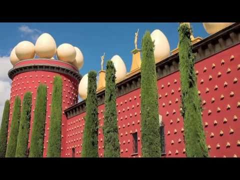 Salvador Dali Museum - Great Attractions (Figueres, Spain)