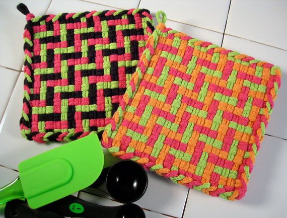 Potholders Handwoven Cotton Loops Mod Geometric Boogie-Woogie Kitchen Decor Shabby Chic Gift Home and Living