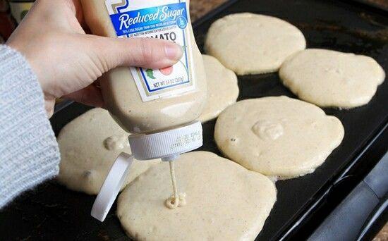 BİTMİS MAYONEZ KUTUSUNU ATMAYIN...! Bugün kendin yap,eskileri değerlendirme konumuz bitmiş ketçap veya mayonez kutusu. Çocuklarınıza veya kahvaltıya gelecek misafirleriniz için hazırladığınız  krep hamurunuzu  bitmiş mayonez veya ketçap kutusuna koyarak tavaya istediğiniz şekli vererek misafirlerinizi şaşırtabilirsiniz. http://www.sosyetikcadde.com/bitmis-mayonez-kutunuzu-atmayin/