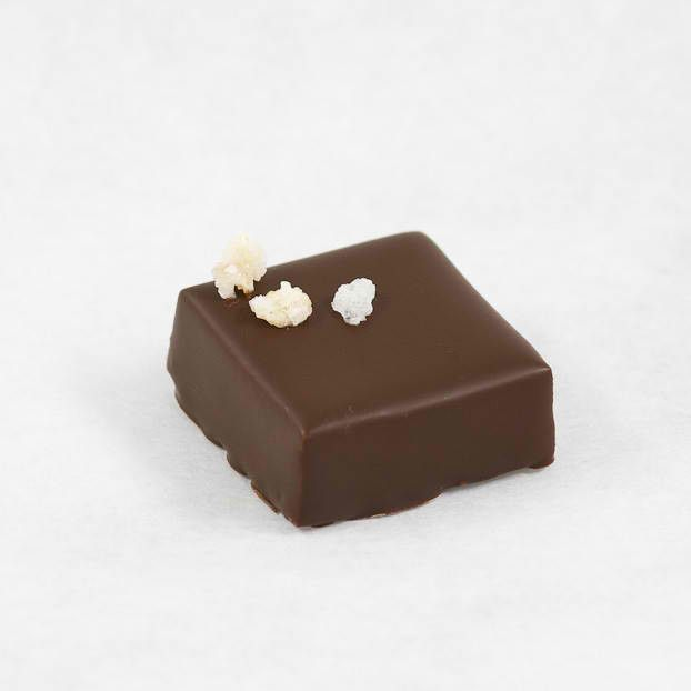 DARK CHOCOLATE - CHINESE BLOSSOM Fragrant and delicate Jasmine tea infused ganache. Have a cup of tea! Chocolate Bonbons are available only as part of our Assorted Boxes Visit us @ http://shop.acacaoaffair.com/