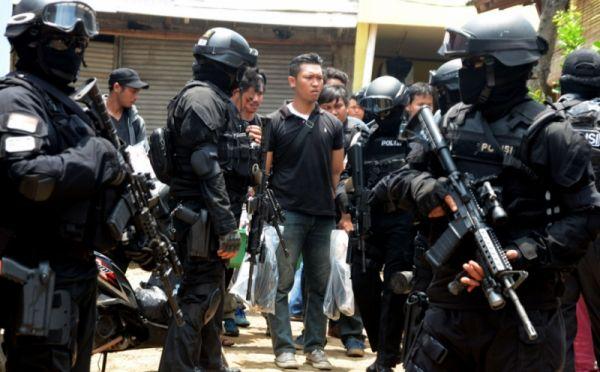 Jokowi Ingatkan TNI-Polri Tak Anggap Enteng ISIS