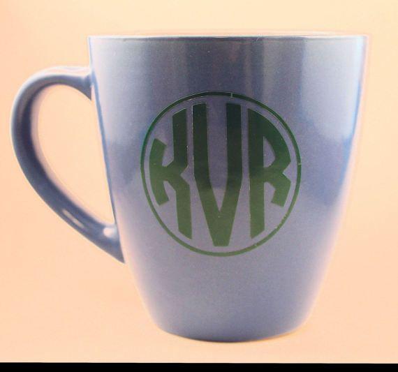 Custom Circle Monogram vinyl decal for travel mugs water