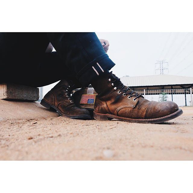 The nightfall featuring red wing 8113 muleskinner #esre #redwing #8113…