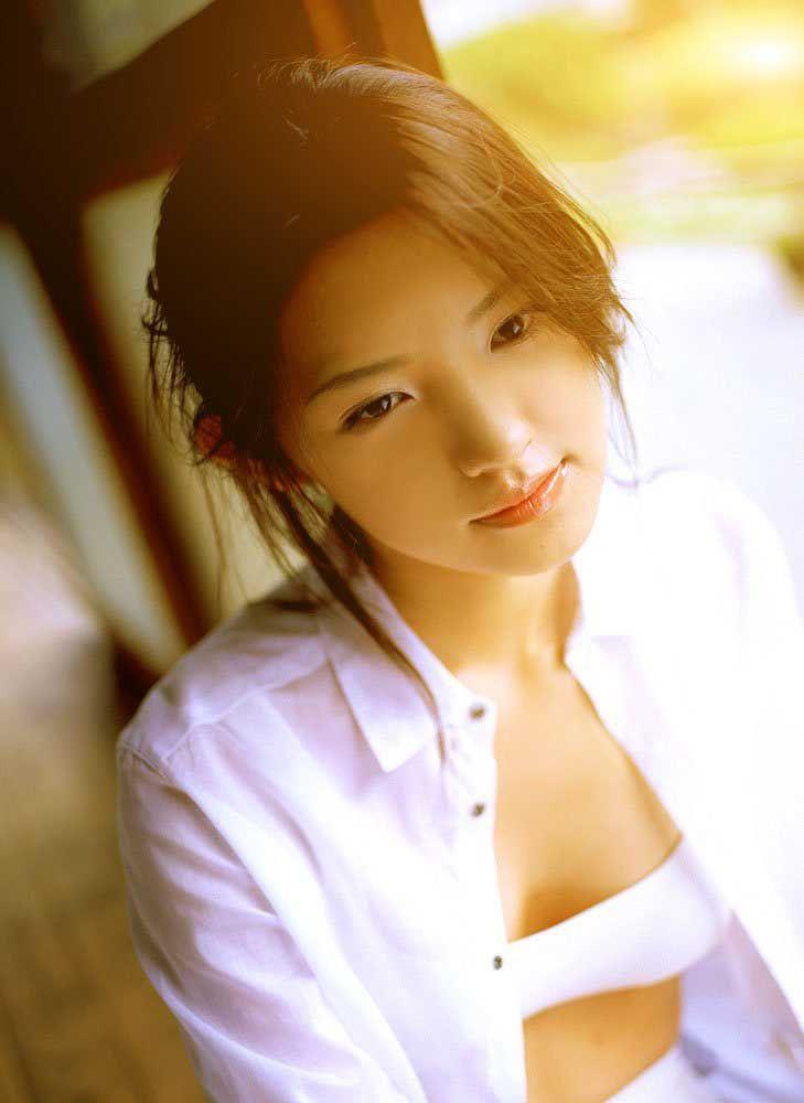 Hoshino Mari  星野真里  1981-,...