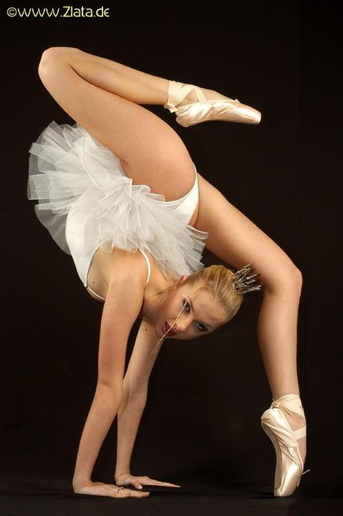 Голые гимнастки и балерины моему