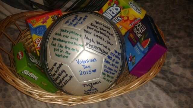 My boyfriend is Captain of the Varsity Soccer team, so I decided to be creative…