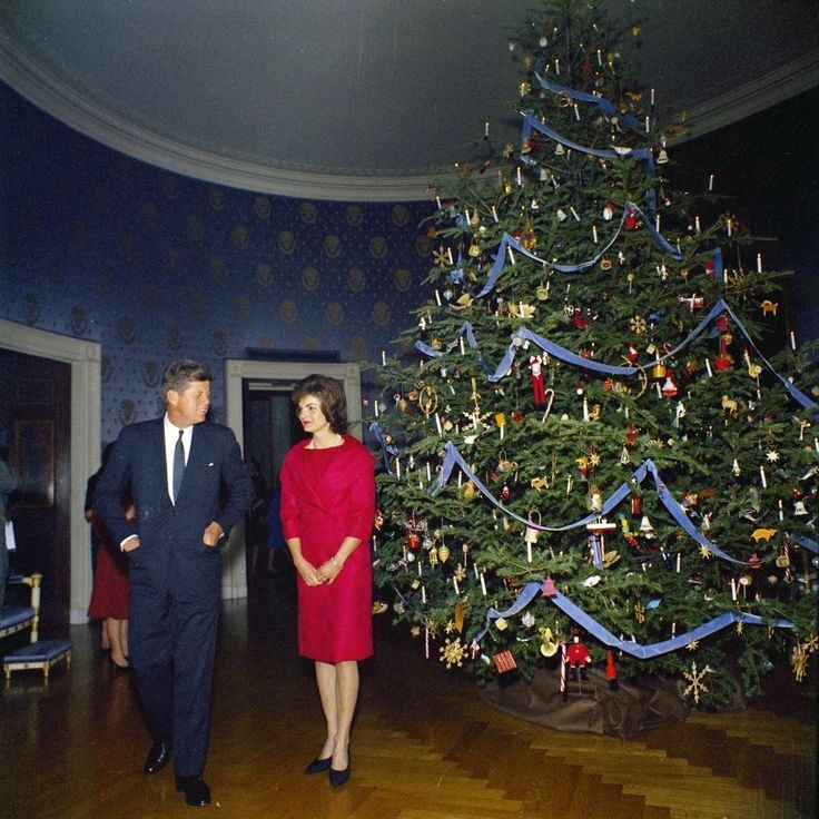 36 Stunning Color Photos Of The Kennedy White House