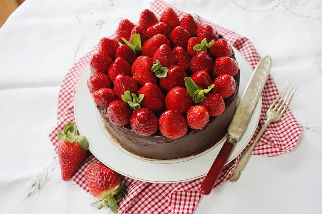 Chocolate Cake With Strawberry Ganache