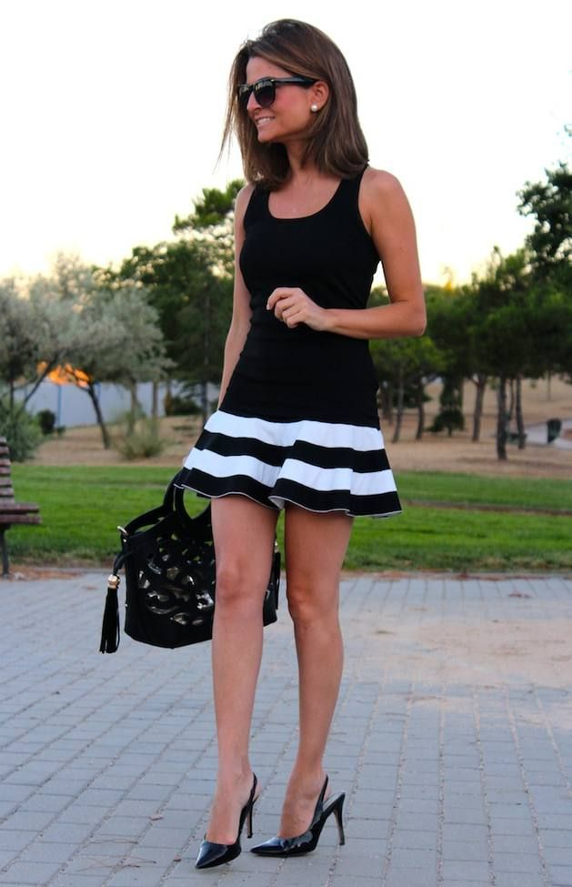 Striped Miniskirt  Sfera Tee Corea Skirt Mango Shoes Pilar Burgos Bag