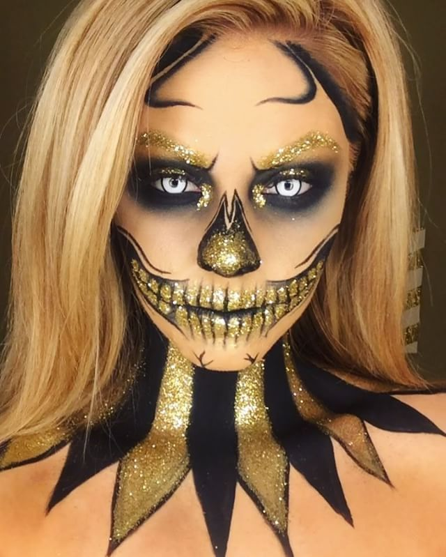 Found this old mini video on my phone of my gold glitter skull can't wait to create loads more Halloween looks this week 💀💀😘 #gold #skull #glitter Products: Face: @maccosmetics NC30. Brushes: Sigmabeauty brushes. Brows gold glitter from art&hobby shop Eyes: @meltcosmetics dark matter all over + Mac goldmine with glitter on the inner corner. Teeth/nose used @inglotireland black gel liner for all black outline + blended with dark matter @meltcosmetics. #amazingmakeupart #meltdarkmatter…