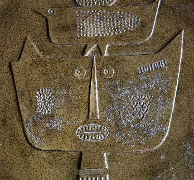 Стиг Линдберг 1916 – 1982 Одним из самых значимых дизайнеров послевоенной Швеции был Стиг Линдберг. Он создал огромное количество работ. Линдберг начал с причудливой  керамики и изящной посуды.   Стиг Линдберг экспериментировал в диапазоне стилей и материаловлегко и свободно. Его уникальные работы периода 50-60-х годов можно найти в музейных коллекциях по всему миру. http://tanjand.livejournal.com/1698527.html