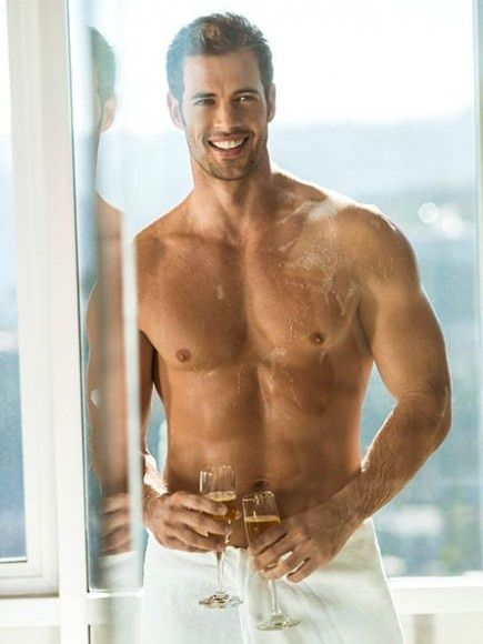 Sexy Latin Soap Star William Levy wrapped in a white cotton towel and holding champagne glasses. Can u imagine waking up to that every day..that is one lucky bitch.